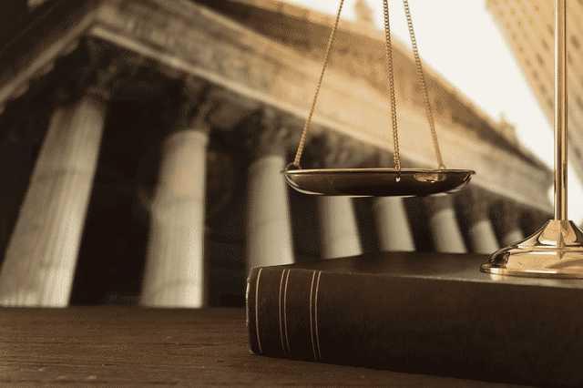 Quy tắc đạo đức và ứng xử nghề nghiệp luật sư
